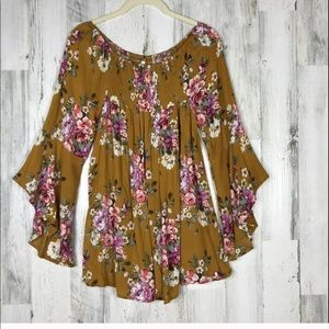 NWT Flowy Floral Bell Sleeve Tunic